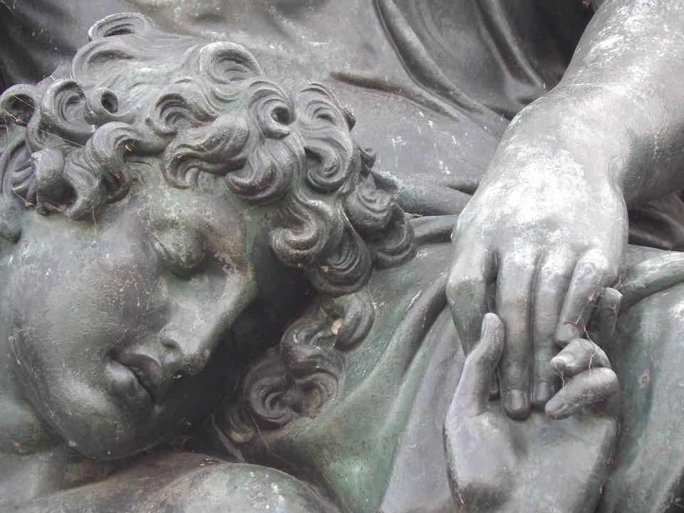 ΓΕΩΡΓΙΑ ΠΑΠΑΔΑΚΗ: Λυσιμελής, Σκορπιός, Φτύνω στον κόρφο μου