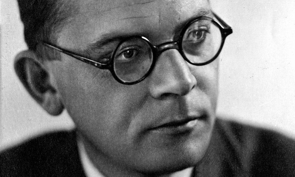 ΝΕΛΛΗ ΣΕΛΗΝΙΑΔΟΥ: Hans Fallada «Μόνος στο Βερολίνο», Μετάφραση: Άντζη Σαλτάμπαση εκδόσεις Πόλις