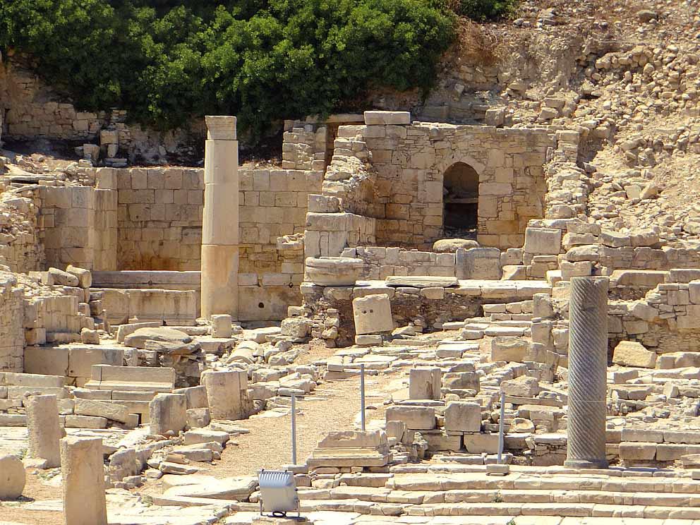 Παυλίνα Παμπούδη: Δυο Κύπριες ποιήτριες -Φροσούλα Κολοσιάτου – Ευφροσύνη Μαντά – Λαζάρου